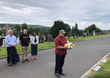 kasrils at martin grave