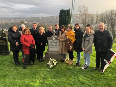 Derry remembers Dan McGandy - Reps at grave