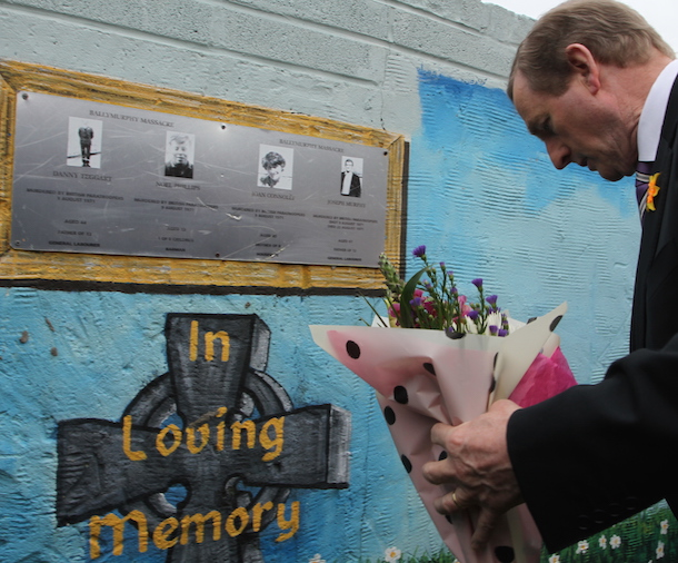 Taoiseach lays flowers 2015