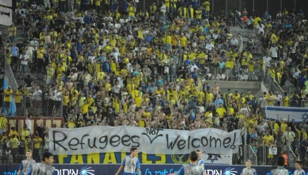 "Maccabi Tel Aviv fans unfurl racist ""Refugees Not Welcome"" banner"