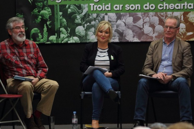 Ballyfermot 2017 – Gerry Adams TD, Michelle O'Neill MLA and Gerry Kelly MLA brief activists on the Stormont talks