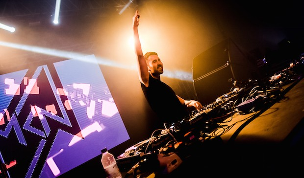 DJ alone