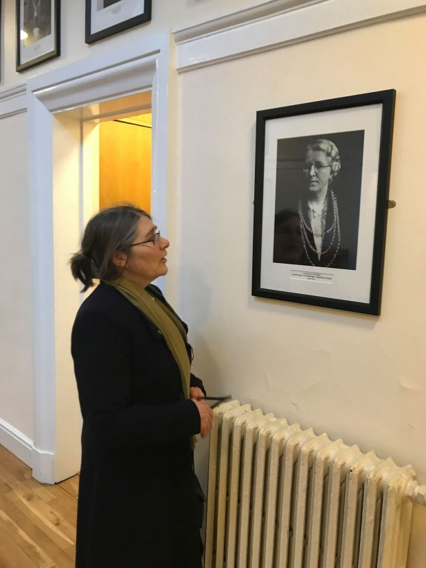 Micheline Sheehy Skeffington admires the photograph of the first woman Ardmhéara of Dublin, Kathleen Clarke, comrade of Hanna and widow of executed 1916 leader Tom Clarke, and sister of executed 1916 leader Edward Daly.