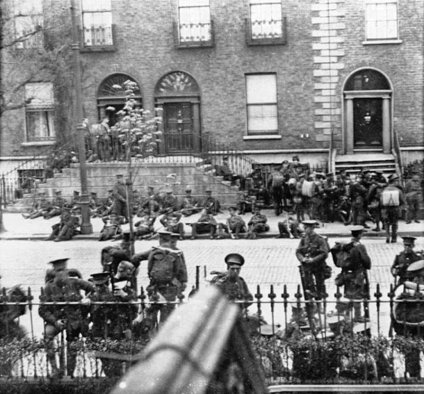1916 Sherwood Foresters on Northumberland Road
