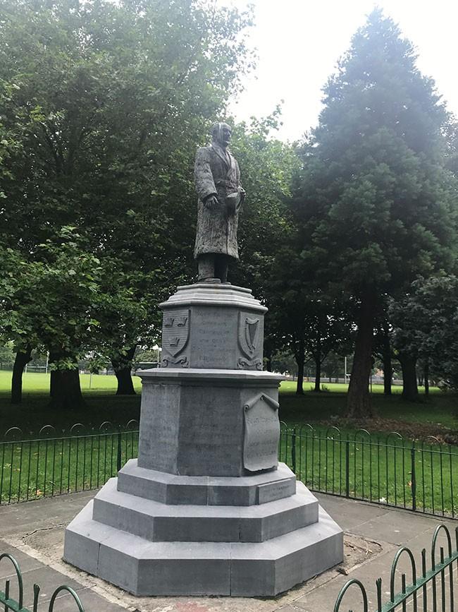 Seán Russell statue3