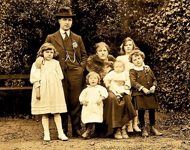 Tomas Mac Curtain family