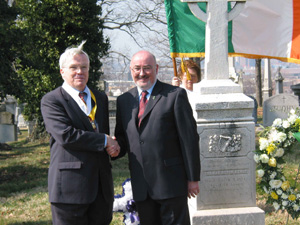 Sinn Féin TD Caoimhghin Ó Caoláin with John McInerney, President of Washington DC AOH, at the grave of Monaghan patriot Thomas Devin Reilly, the 150th anniversary of whose death was commemorated in the US capital on 5 March