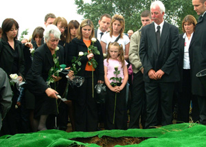 The Cahill family say their final farewell at the graveside