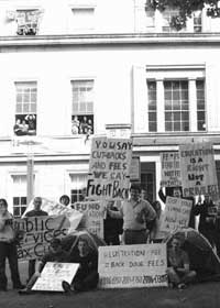 Students protested registration fee increases and inequality in education on Tuesday when they occupied the Department of Education headquarters in Dublin