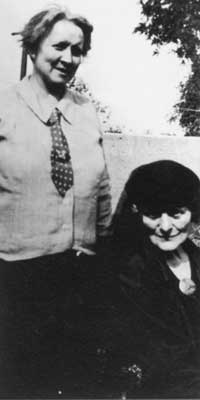 Helena Moloney with Maud Gonne