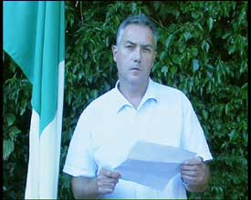 Séanna Walsh reading out IRA statement