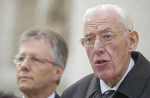 DUP's Peter Robinson and Ian Paisley