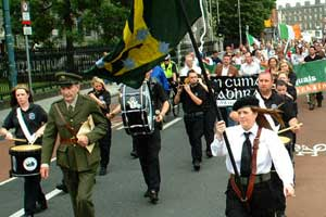 Dublin republicans march to the grave of O'Dovovan Rossa
