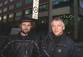 Norwegian union leader Terje Nustad (right) with John Monaghan from Rossport outside Statoil's Irish headquarters in Dublin on Monday 27 November, following Terje Nustad's meeting with Statoil executives