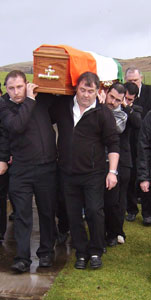 Roddy Doherty comrades carrying his coffin