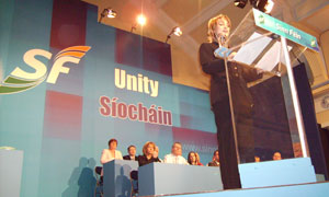 Amanda Fullerton addressing the 2007 Sinn Féin Ard Fheis
