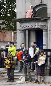 50 people gathered at Shell's Irish headquarters at lunchtime Friday to show solidarity with the besieged community in Erris