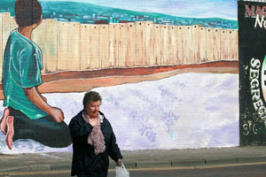 New mural on Falls Road, Belfast to commemorate the Deir Yassin tragedy of 1948