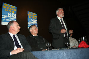 Martin Ferris urges West Cork to say 'No to Lisbon' at a meeting in Bantry with Clonakilty Councillor Cionnaith Ó Súilleabháin and Bantry Councillor Tim O'Leary