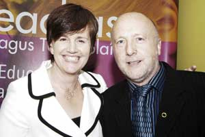 Caitríona Ruane agus Eoghan 'Gino' Mac Cormaic