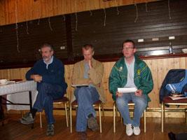 Gerry Adams, Marcus Mac Ruairí agus Niall Ó Donnghaile ag an cruinniú