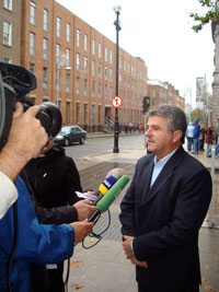 Arthur Morgan briefs the media on Sinn Féin's position on the banking crisis.