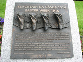 Monument in front of Rotunda Hospital