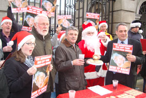 Protest for the restoration of the Christmas bonus at Leinster House on Tuesday