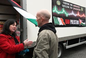 Sinn Féin's Jennifer McCann with Viva Palestinian aid convoy driver Paul Diplacito last week