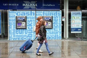 Bank of Scotland Ireland will close its Halifax retail banking business, with the loss of 750 jobs