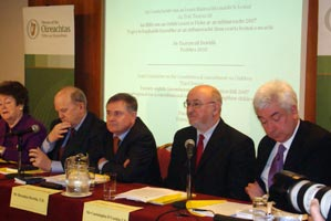 Caoimhghín Ó Caoláin (second from right) at the launch of the final report