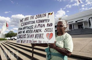 Aboriginal people arrive in Canberra for apology to the stolen generations